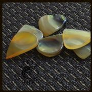 Lefty Tones - Tin of 4 Guitar Picks | Timber Tones